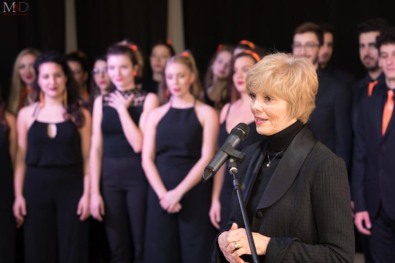 8.Shawna Farrell e i BSMT Singers